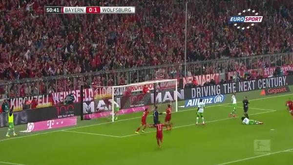 Robert Lewandowski 5 Goals in 9 Minutes vs Wolfsburg 2015 - Sputnik International