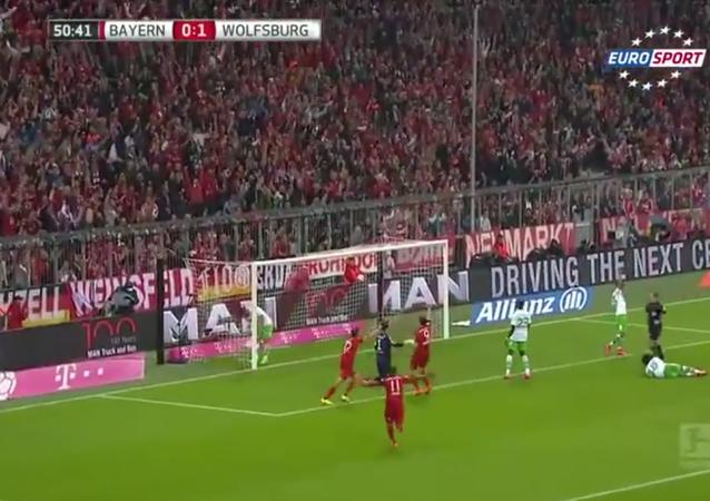 Robert Lewandowski 5 Goals in 9 Minutes vs Wolfsburg 2015