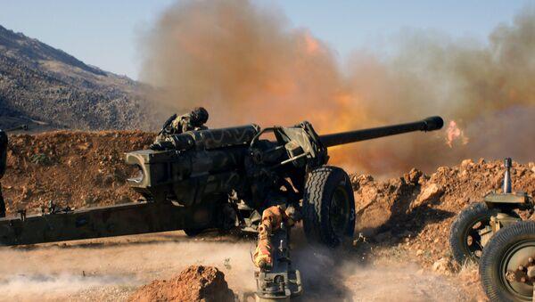 Syrian troops shoot at the Islamist forces' positions near Al-Zabadani in Syria - Sputnik International