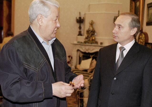 Putin congratulates Yeltsin on his birthday
