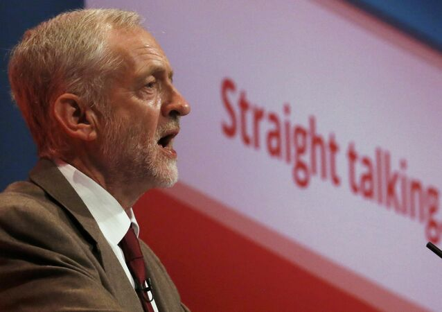 Britain's leader of the opposition Labour Party, Jeremy Corbyn, delivers his keynote speech at the party's annual conference in Brighton, Britain September 29, 2015.