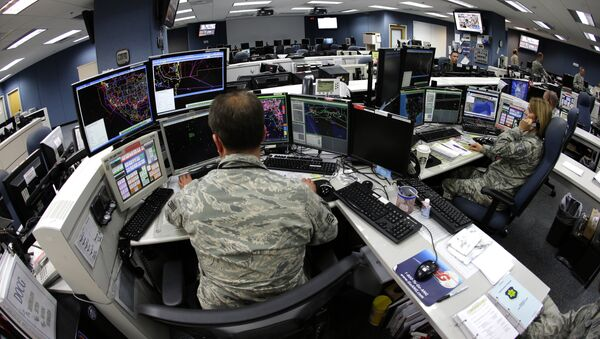 Air National Guard soldiers monitor computer screens - Sputnik International