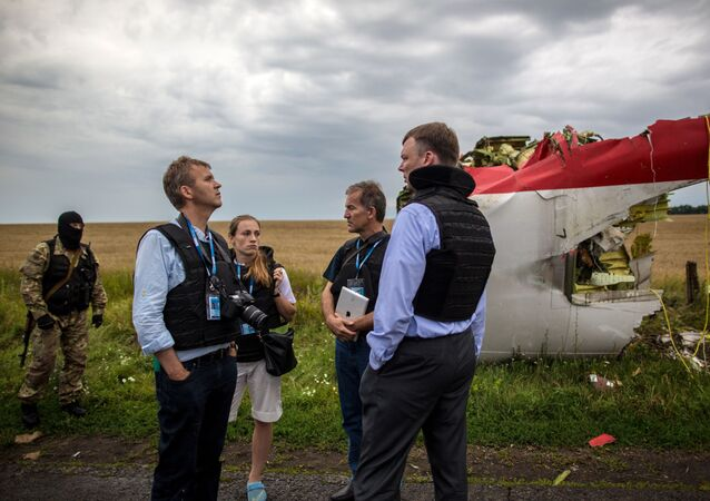 A search-and-rescue operation on the site of the MH17 plane crash in Ukraine's Donetsk region. File photo