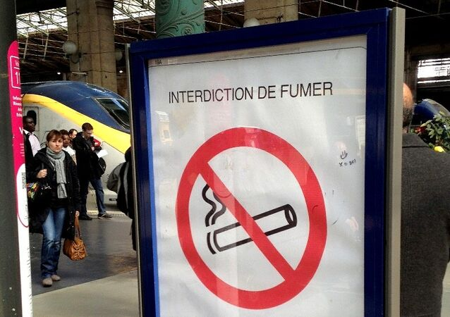 Smoking Ban, Gare du Nord Station, Paris.