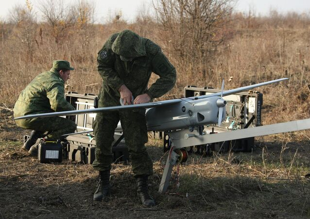Technicians of the Southern Military District Engineering Corps assemble an unmanned aircraft. File photo