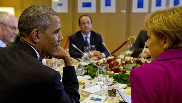 US President Barack Obama, President of the European Council Herman van Rompuy, France's President Francois Hollande, Germany's Chancellor Angela Merkel attend a working dinner at the G7 summit at the European Council headquarters on June 4, 2014 in Brussels - Sputnik International
