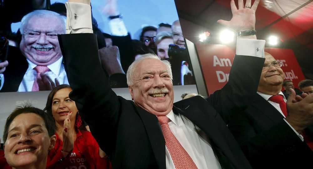 Mayor and province governor of Vienna, Michael Haeupl of the Social Democratic Party (SPOe) celebrates in front of supporters after winning regional elections in Vienna, Austria, October 11, 2015.