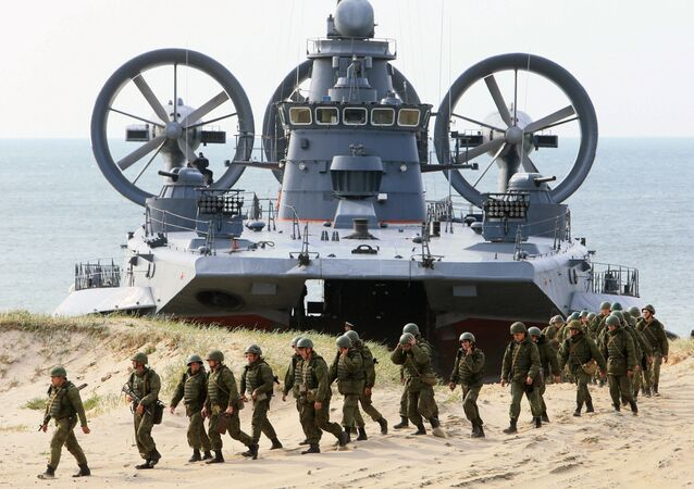 The air-cushion small landing ship Mordovia and servicemen of coastal defence troops at the Baltic Fleets's range in Kaliningrad Region