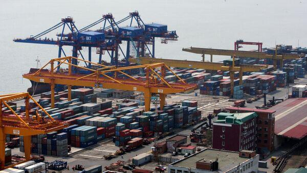 The Vladivostok merchant seaport - Sputnik International