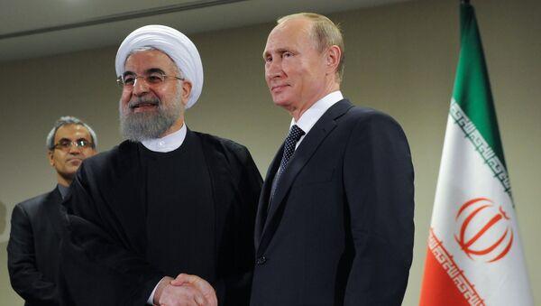 President of Russia Vladimir Putin, right, and President of the Islamic Republic of Iran Hassan Rouhani - Sputnik International