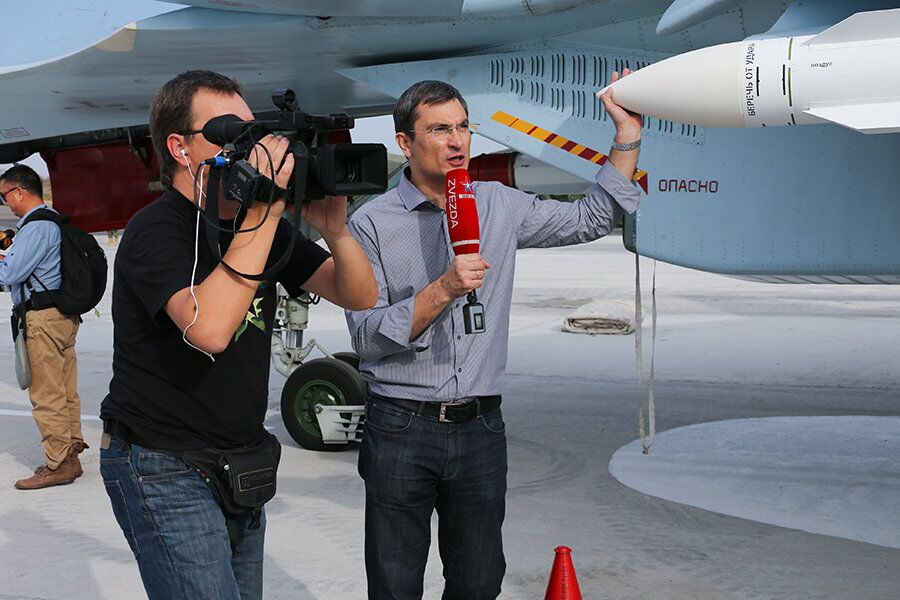 International Journalists Take Tour of Russia's Syrian Air Base