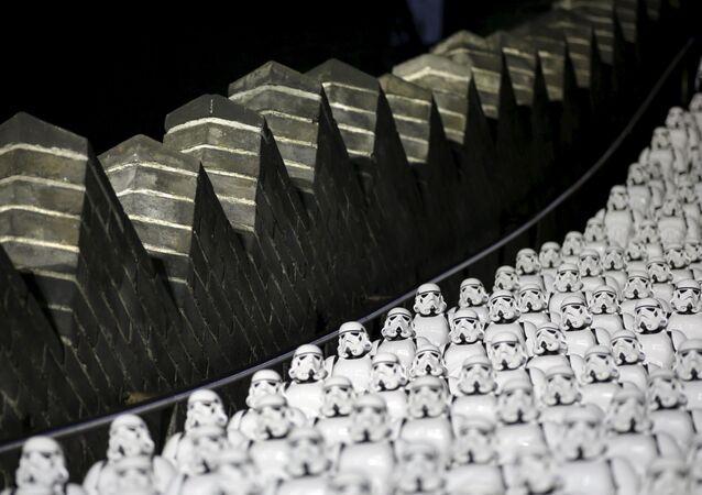 Пятьсот имперских штурмовиков на ступенях Великой Китайской стены