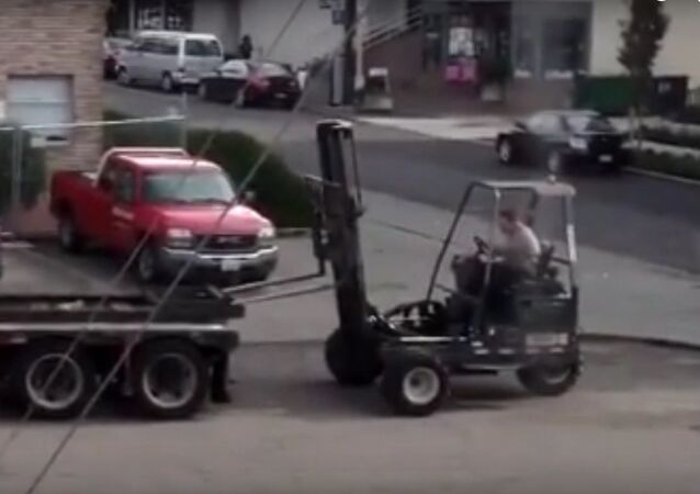 How to Load a Forklift Like a Pro