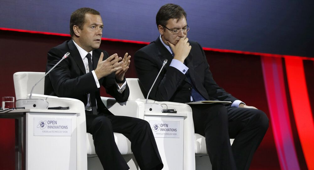 October 28, 2015. Prime Minister Dmitry Medvedev, left, and Serbian Prime Minister Aleksandar Vucic at the plenary session Human being between trends of technological revolution at the 4th Open Innovations International Forum in Moscow