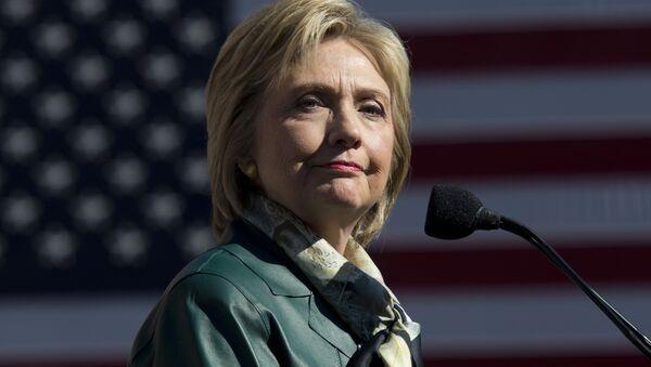 Democratic Presidential hopeful Hillary Clinton speaks during a campaign rally in Alexandria, Virginia on October 23, 2015 - Sputnik International