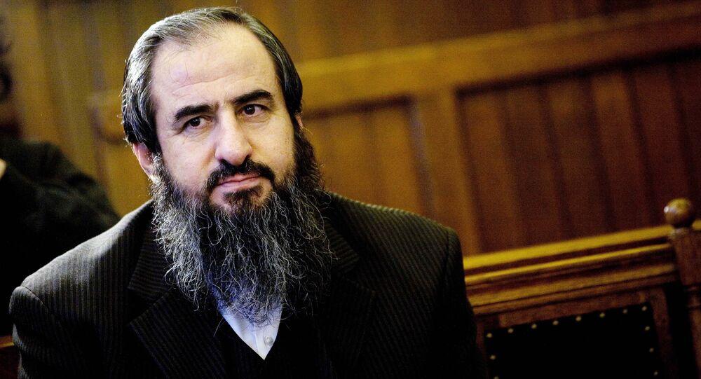 Najmuddin Faraj Ahmad, also known as Mollah Krekar, founder of the Iraqi Kurd Islamist group Ansar al-Islam, sits in Norway's Supreme court in Oslo, 09 October 2007