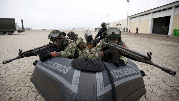 NATO soldiers participate in NATO Exercise Trident Juncture in Troia, near Setubal, Portugal November 5, 2015. - Sputnik International