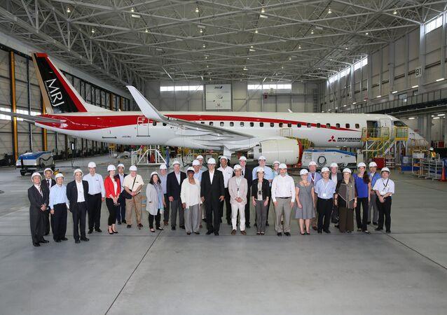 Gov. Inslee toured the Mitsubishi Regional Jet (MRJ) Factory in Japan