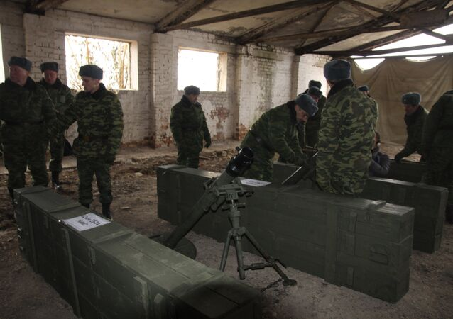 Donetsk units have delivered nine 82mm-caliber mortars to the site of their further storage in the neighborhood of Illovaisk. Under the Minsk accords, the Donetsk People's Republic has accomplished its under-100mm-caliber artillery withdrawal from the contact line