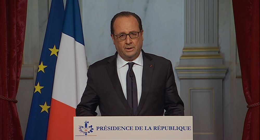 French President Francois Hollande addressing nation after Paris terrorist attacks