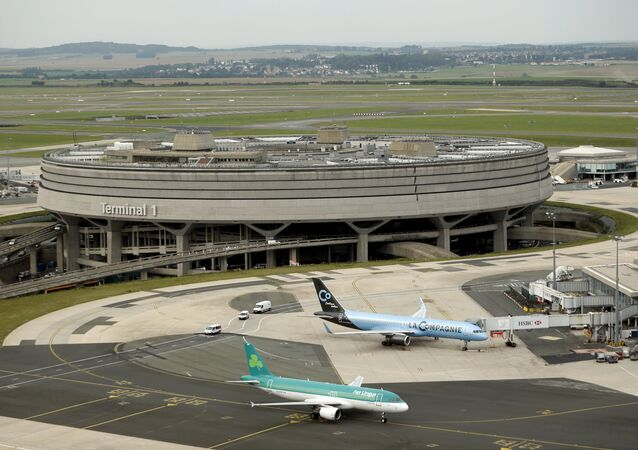 A general view shows the Terminal 1 at the Charles de Gaulle International Airport in Roissy, near Paris in this September 17, 2014.