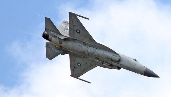 The JF-17 Thunder multi-role fighter jointly developed by China and Pakistan performs its demonstration flight at the Paris Air Show in Le Bourget, north of Paris, Tuesday June 16, 2015 - Sputnik International