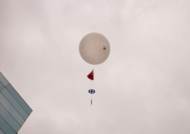 COD Meteorology Department Launches Weather Balloon 2015 35