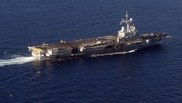 A picture taken on November 21, 2015 shows an aerial view of the aircraft carrier Charles-de-Gaulle - Sputnik International