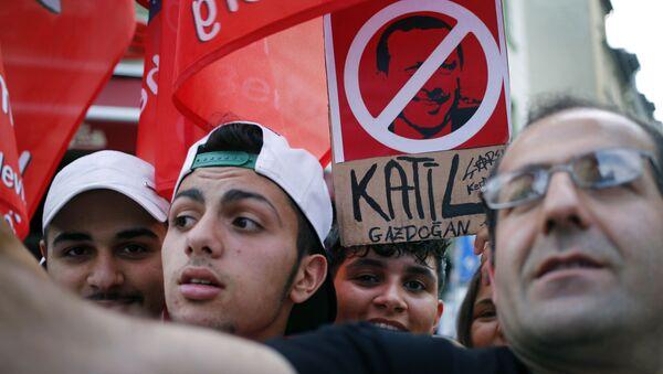 Anti-Erdogan protesters in Germany. File photo. - Sputnik International