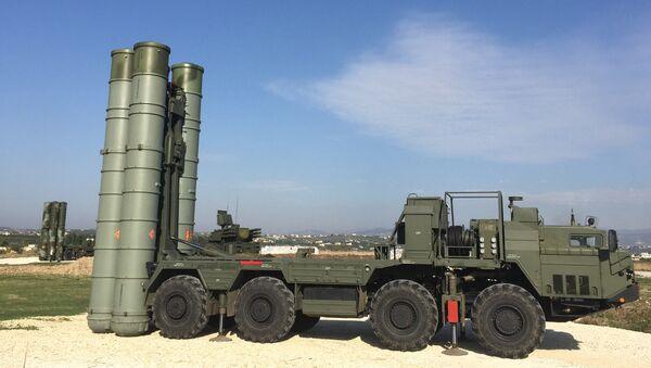 Russia deploys S-400 air defence missile system in Syria - Sputnik International