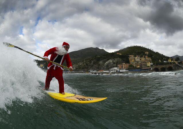 Ho-Ho-Ho! Santas Running All Over the World for Charity