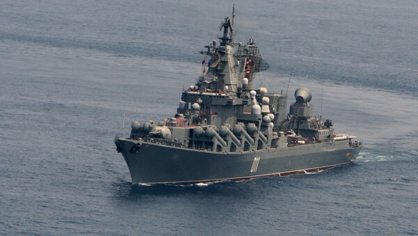 Russia's guided-missile cruiser Varyag during joint maneuvering of Russian and Indian military vessels held as part of the naval exercise - Sputnik International