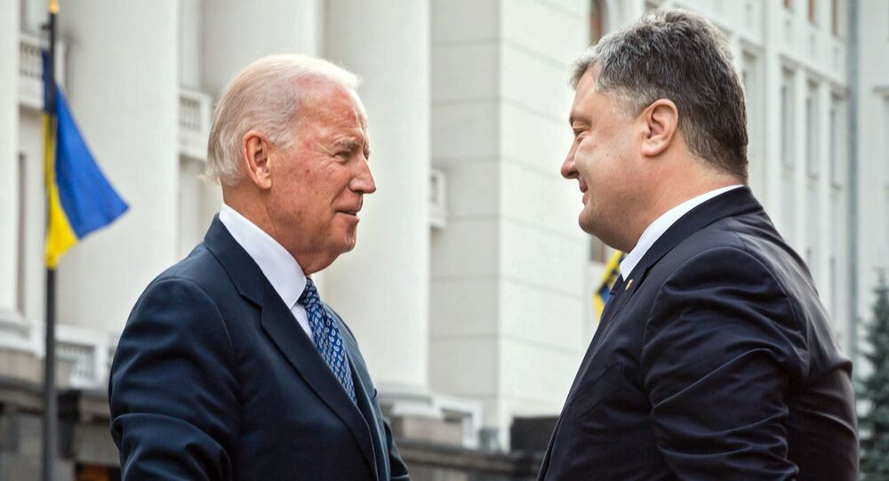 Vice President of the United States Joe Biden, left, and Ukrainian President Petro Poroshenko meet in Kiev