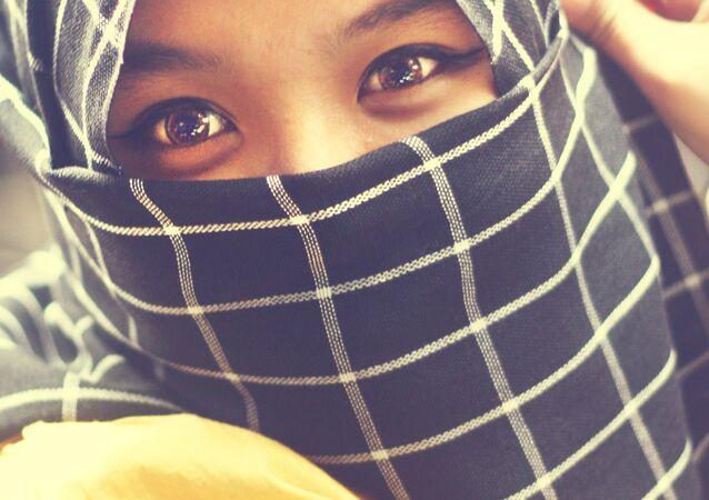 elyana (muslim girl)