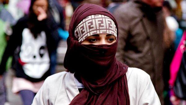 Muslim woman, Canterbury, UK - Sputnik International