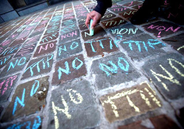 No TTIP writings in chalk