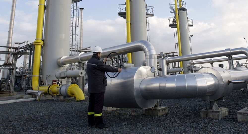 A Turkish technician the valves at a natural gas storage facility in Silivri, near Istanbul, Turkey, Wednesday, Jan. 7, 2009