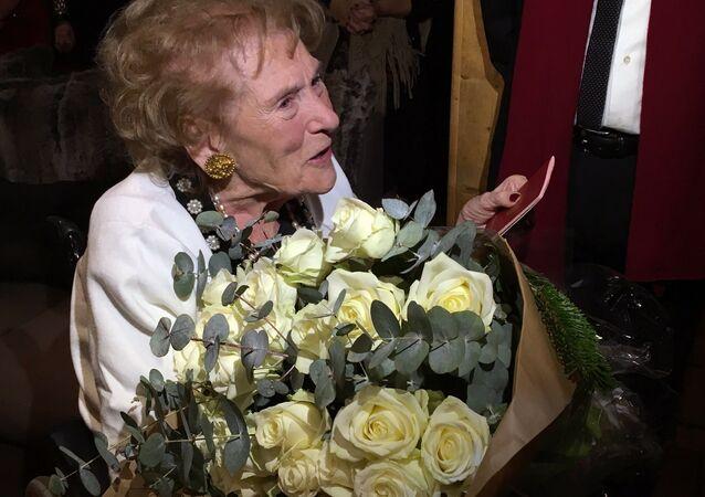 Baroness Irina von Dreyer receives a Russian passport before her 100th birthday.