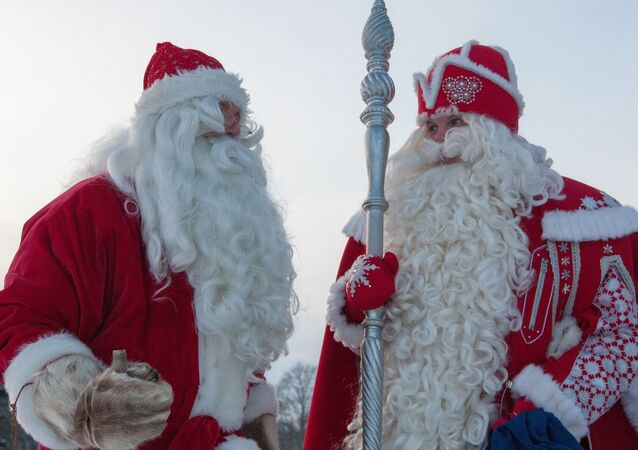 Russian Father Frost (right) and Finnish Joulupukki