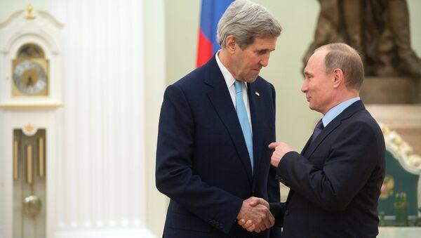 President Vladimir Putin meets with US Secretary of State John Kerry - Sputnik International