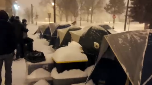 WATCH: Denver Police Raid Homeless Camp in the Middle of a Snowstorm - Sputnik International