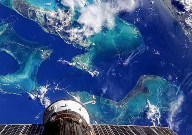 Earth Paints - The Bahamas. Andros Island