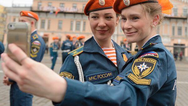 Battling Disasters, Saving Lives: Emergency Rescue Workers of Russia - Sputnik International