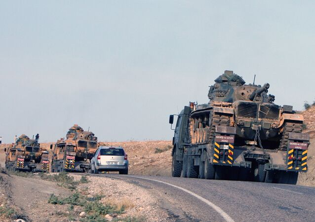 Turkish army's tanks at the Turkey-Iraq border (File)