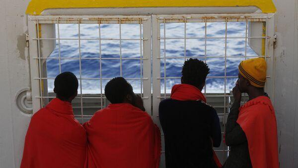 Refugees at sea - Sputnik International