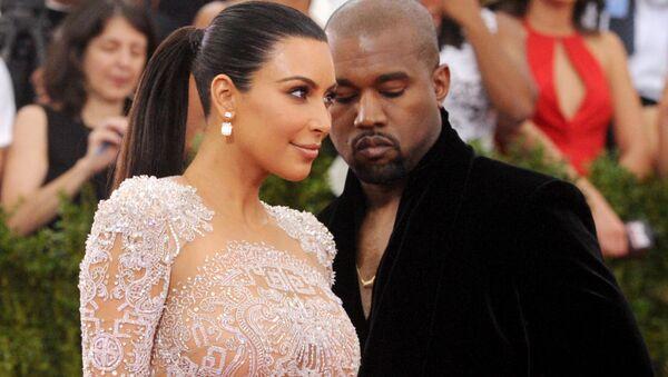 Kim Kardashian and Kanye West arrive at The Metropolitan Museum of Art's Costume Institute benefit gala. - Sputnik International