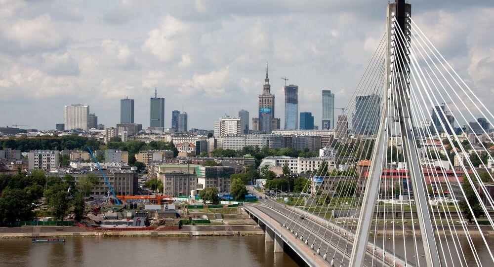 A view of the Swietokrzyski Bridge over the river Vistula, Warsaw.