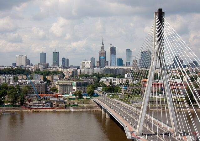 A view of the Swietokrzyski Bridge over the river Vistula, Warsaw.