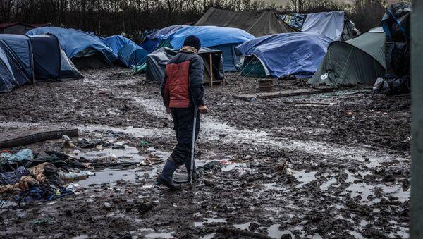 'Inhumane' Dunkirk refugee camp - Sputnik International