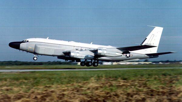 US Air Force RC-135 surveillance plane - Sputnik International